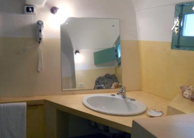 Ein Bad je 2-Bett-Apartment steht zur Verfügung.